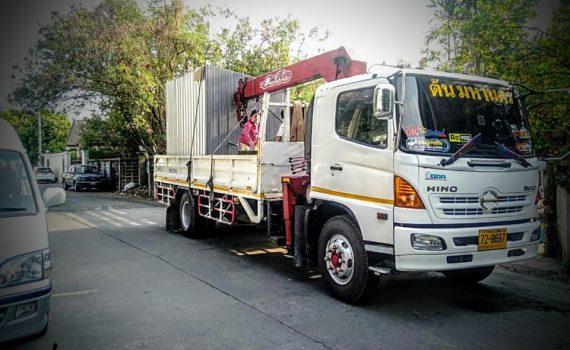 รถเฮี๊ยบกบินทร์บุรี บริการรถเฮี๊ยบ รถบรรทุกติดเครน 3 ตันถึง 10 ตัน มีทั้ง 6 ล้อและสิบล้อ (39)