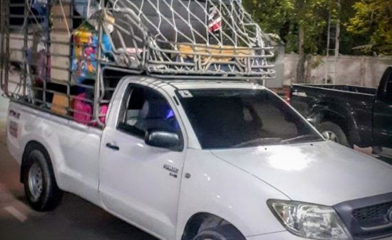 รถเฮี๊ยบกบินทร์บุรี บริการรถเฮี๊ยบ รถบรรทุกติดเครน 3 ตันถึง 10 ตัน มีทั้ง 6 ล้อและสิบล้อ (42)