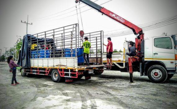รถเฮี๊ยบกบินทร์บุรี บริการรถเฮี๊ยบ รถบรรทุกติดเครน 3 ตันถึง 10 ตัน มีทั้ง 6 ล้อและสิบล้อ (47)